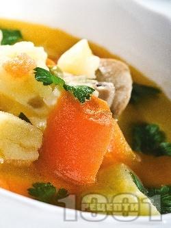 Постна чорба / супа с гъби, моркови, картофи и целина - снимка на рецептата